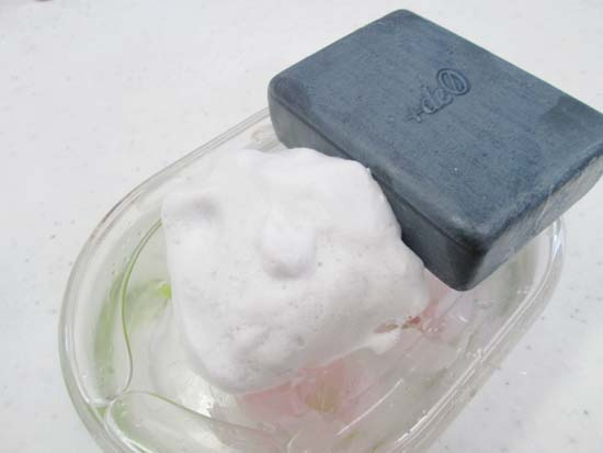 体臭・加齢臭対策石鹸のおすすめ洗顔石鹸人気ランキング 第1位 +deO(プラスデオ)